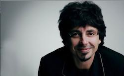 Questa sera Riccardo Sinigallia canterà Ho Visto Anche Degli Zingari Felici